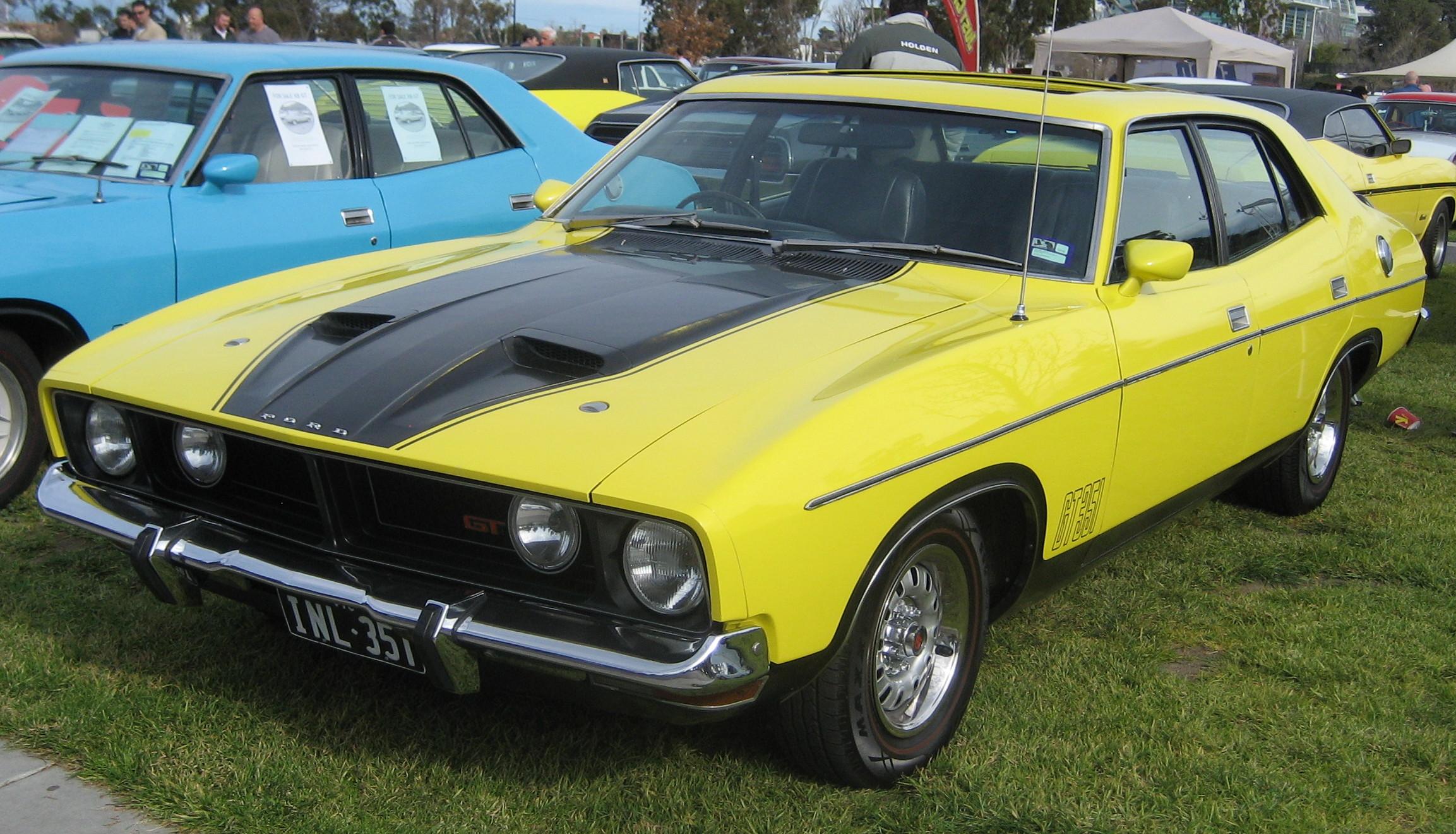 File Ford Falcon Xb Gt Sedan Yellow Blaze Jpg Wikimedia