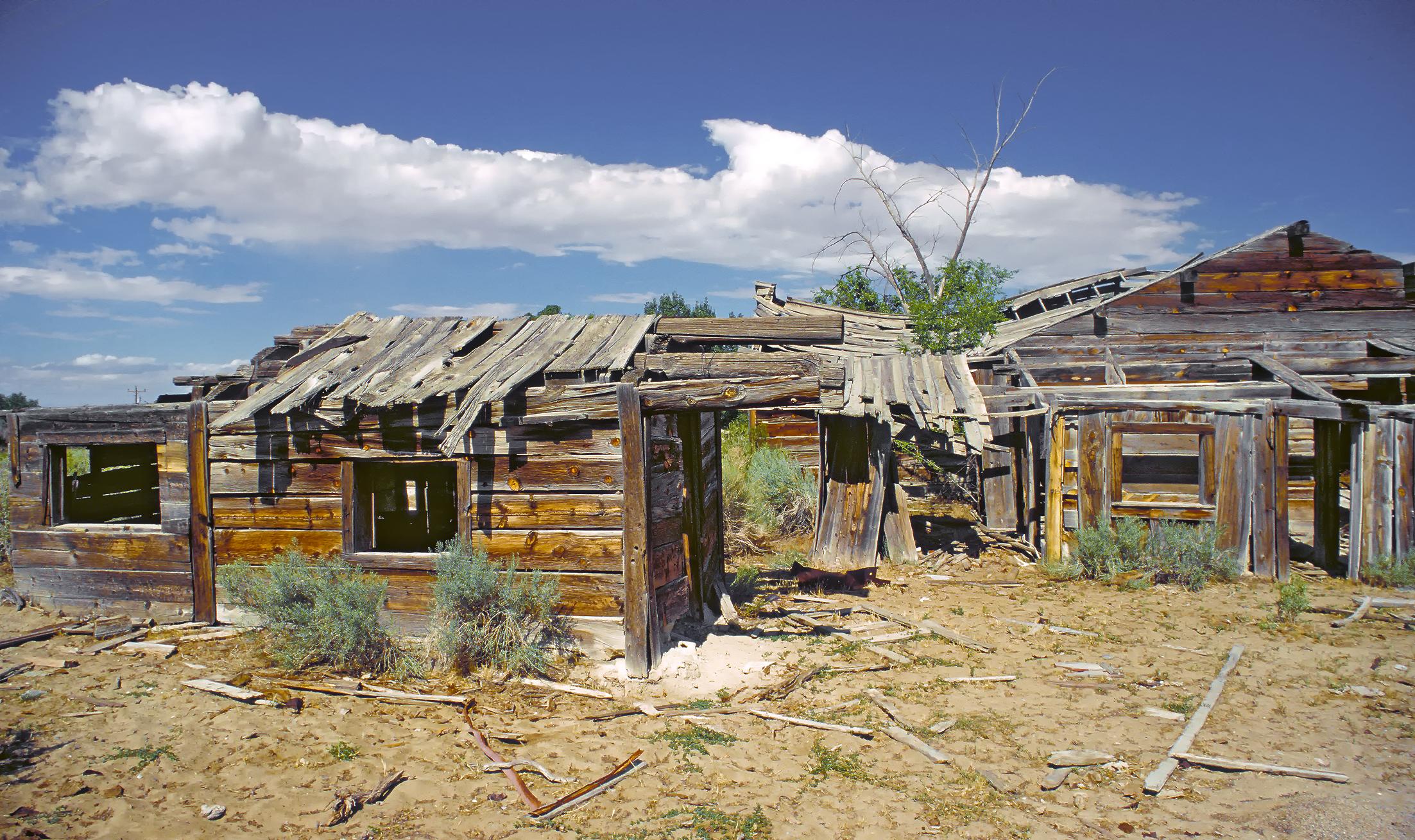 File ghost town frisco in utah jpg for Abandoned neighborhoods in america