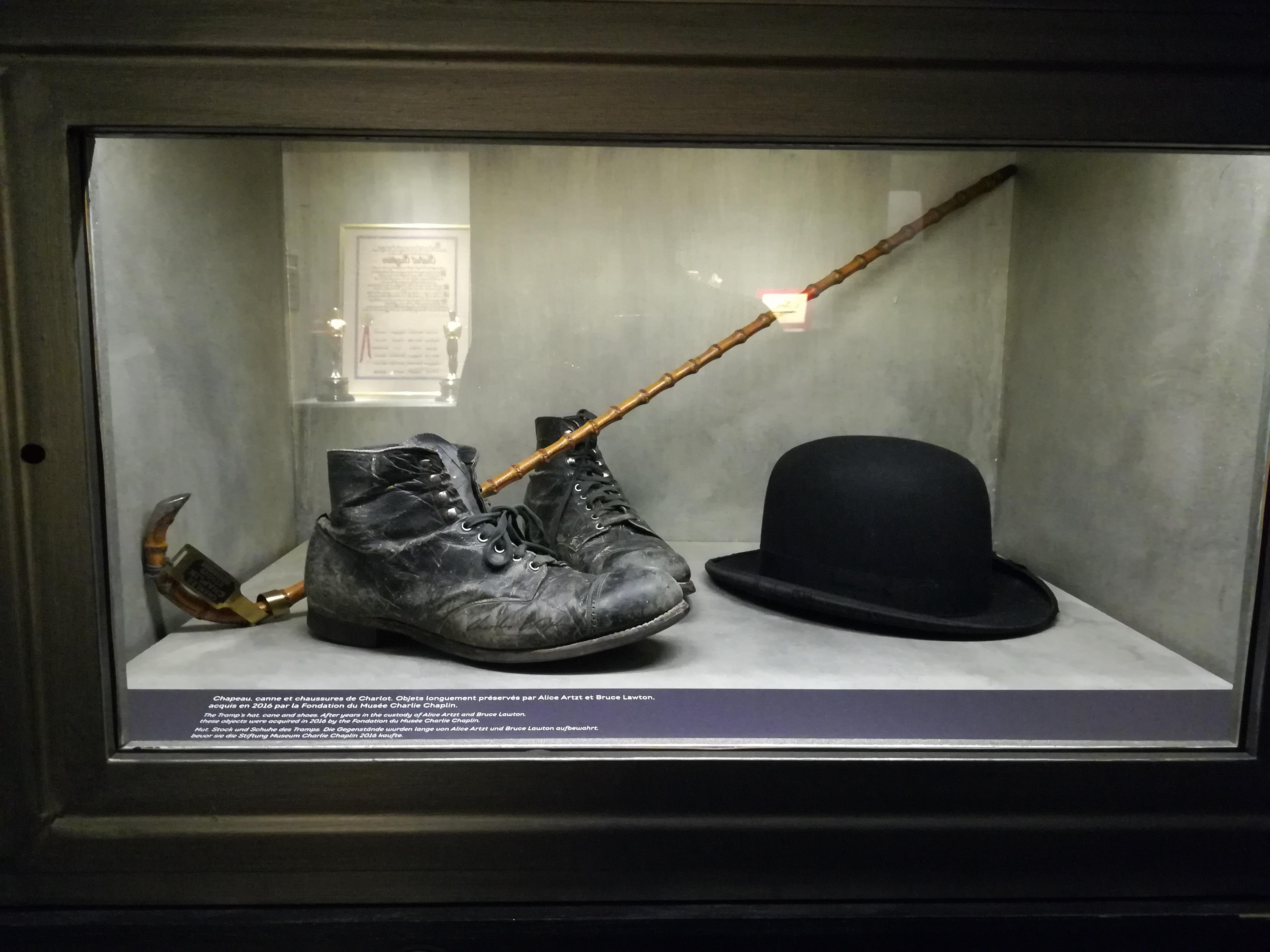 Cappello conservato presso il Museo del Cinema di Torino. 38068565684d