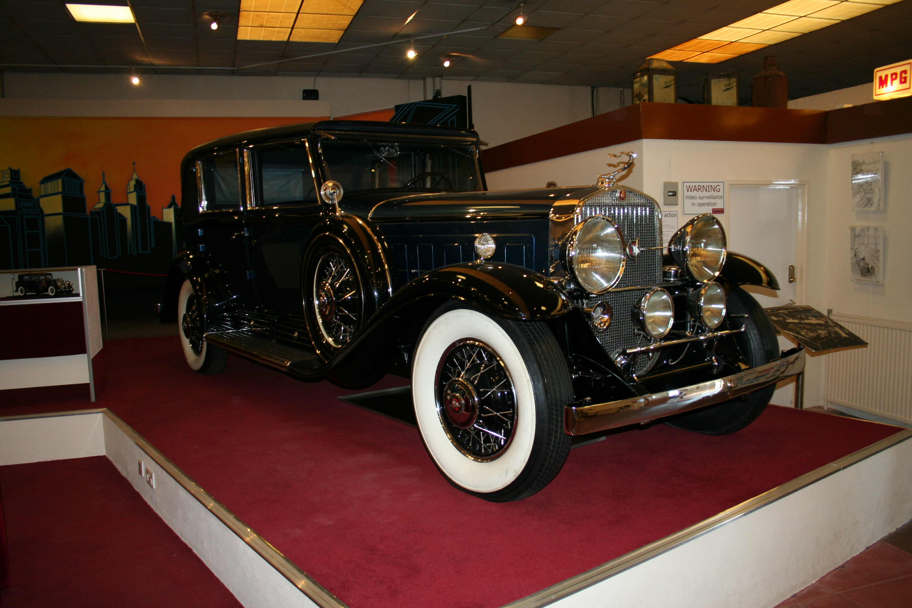 cadillac v 16 wikiwand Limo Utrecht.htm #2