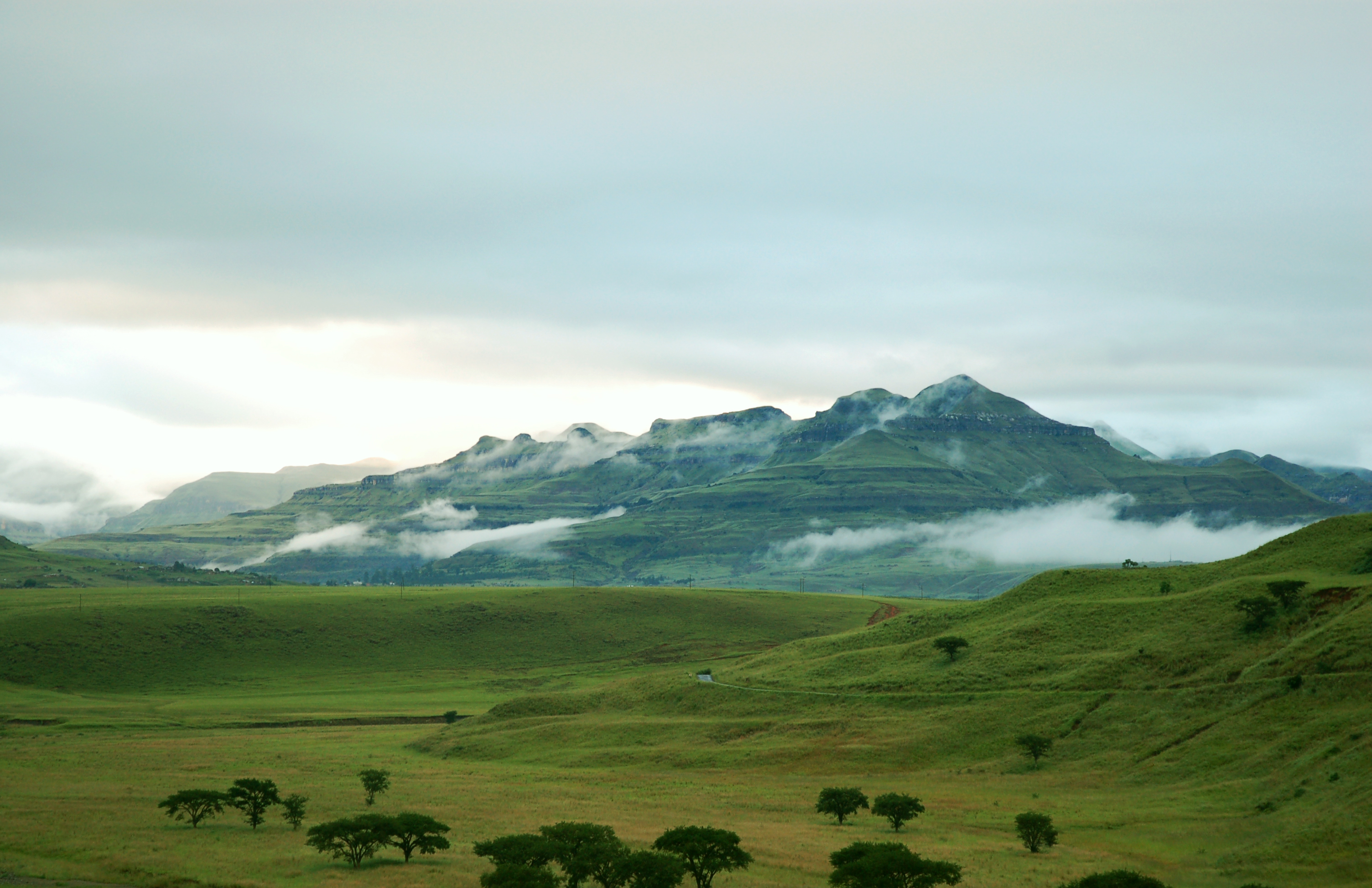 File:Hlalanathi, Northern Drakensberg.jpg - Wikimedia Commons