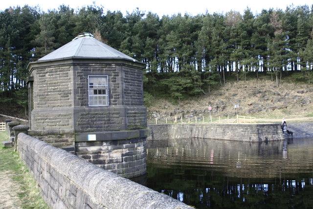Hurstwood Reservoir - geograph.org.uk - 639446