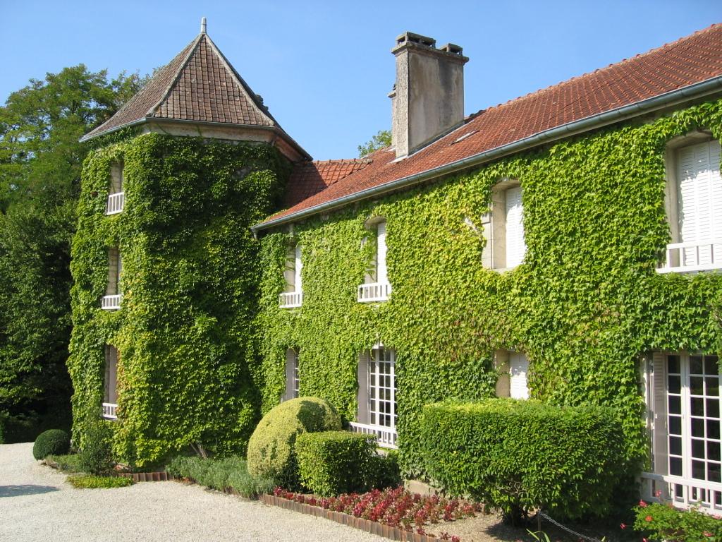 La Bosserie, Charles de Gaulles tidigare egendom i Colombey-les-deux-Églises. Bilden länkad från Wikimedia Commons (foto Arnaud 25, 2009).