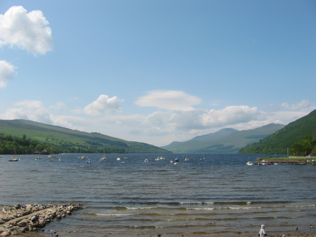 File:Loch Tay at Kenmore.jpg
