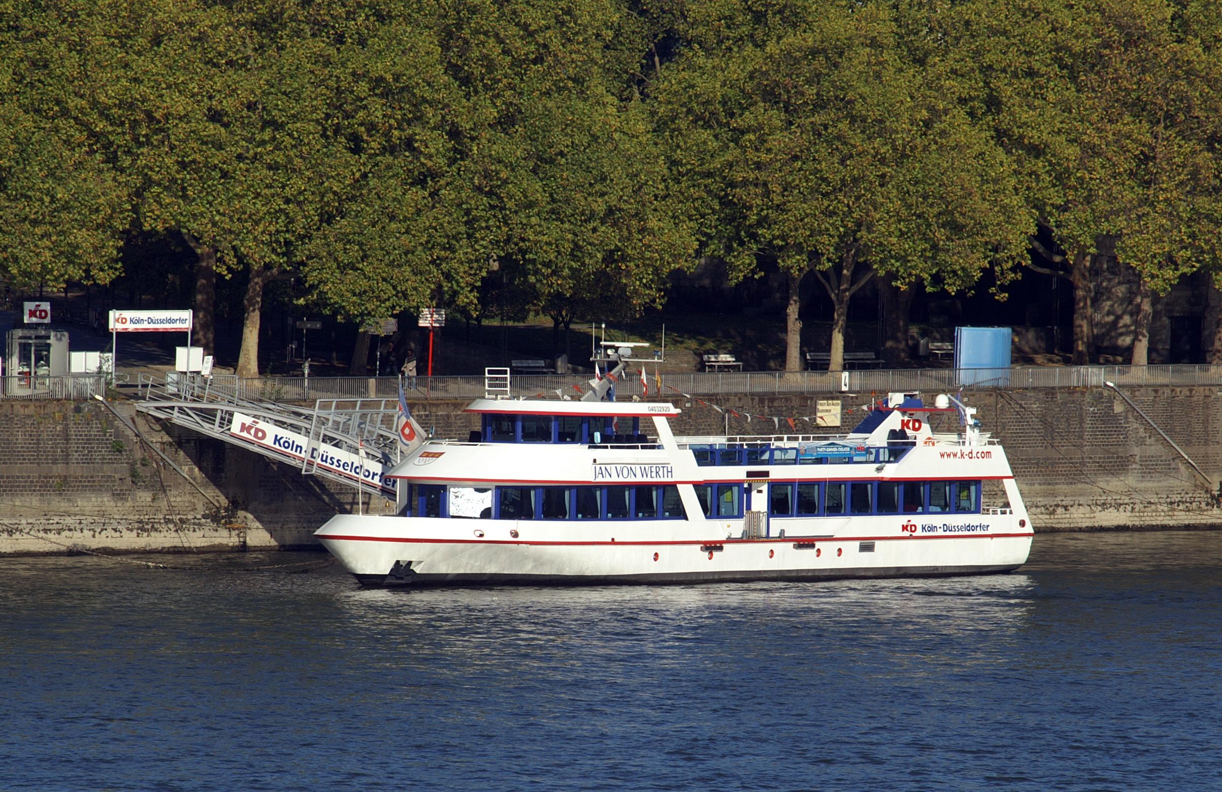 Maritime Bad Godesberg : RheinEnergie (seit 2004) Das größte Eventschiff auf europäischen