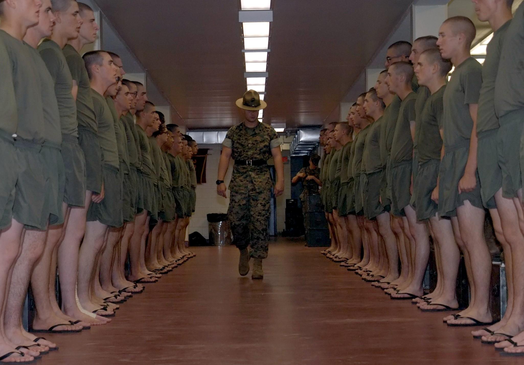 File:Marine Corps Platoon.jpg - Wikimedia Commons