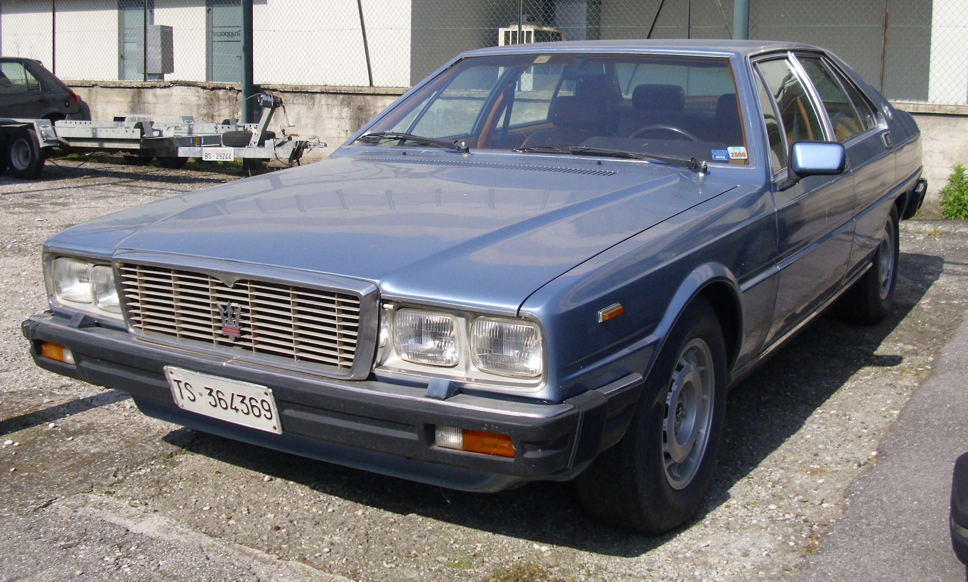 Maserati Quattroporte 1979 schräg von vorn.JPG