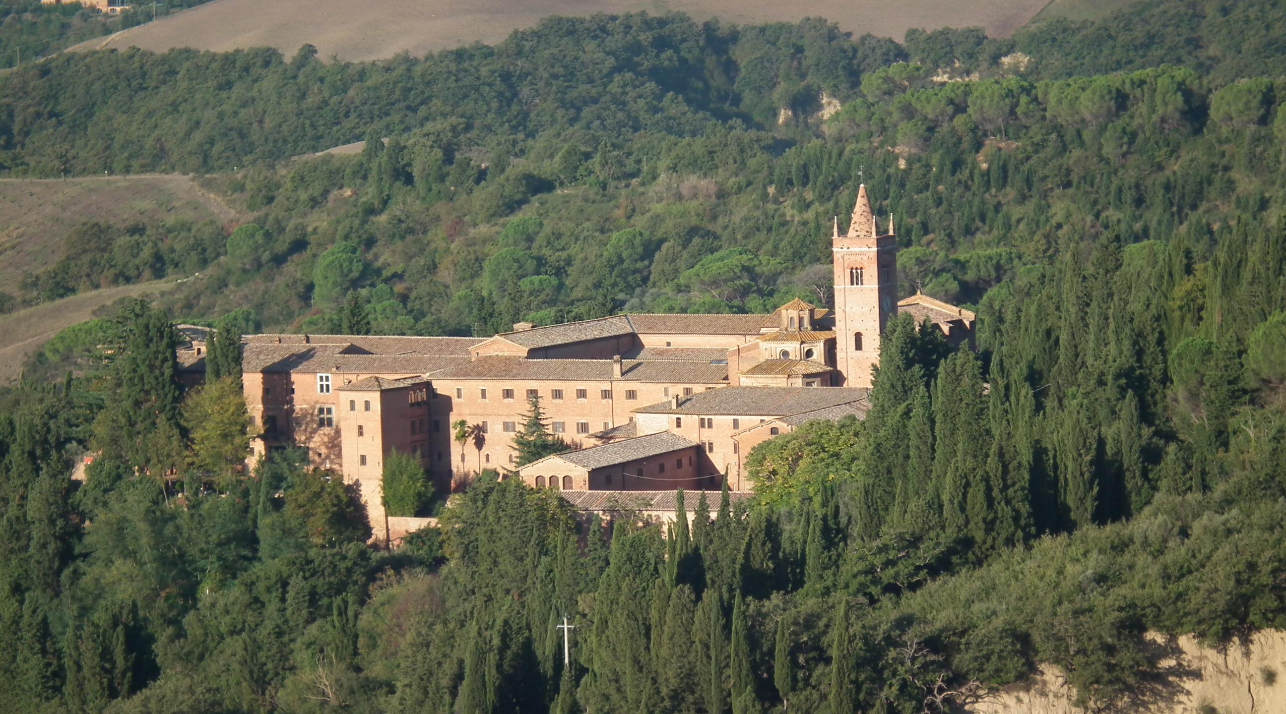 Crete Senesi e l'Abbazia di Monte Oliveto Maggiore
