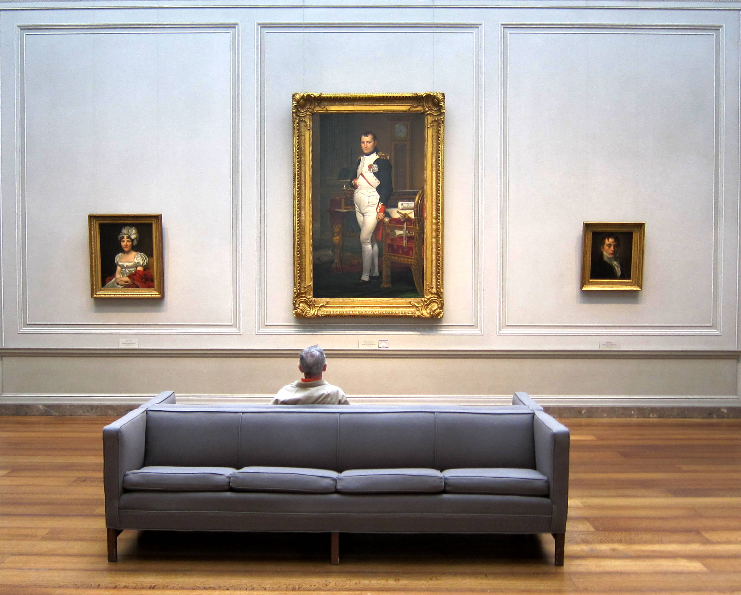 File Napoleon And The Man On A Grey Couch Jpg