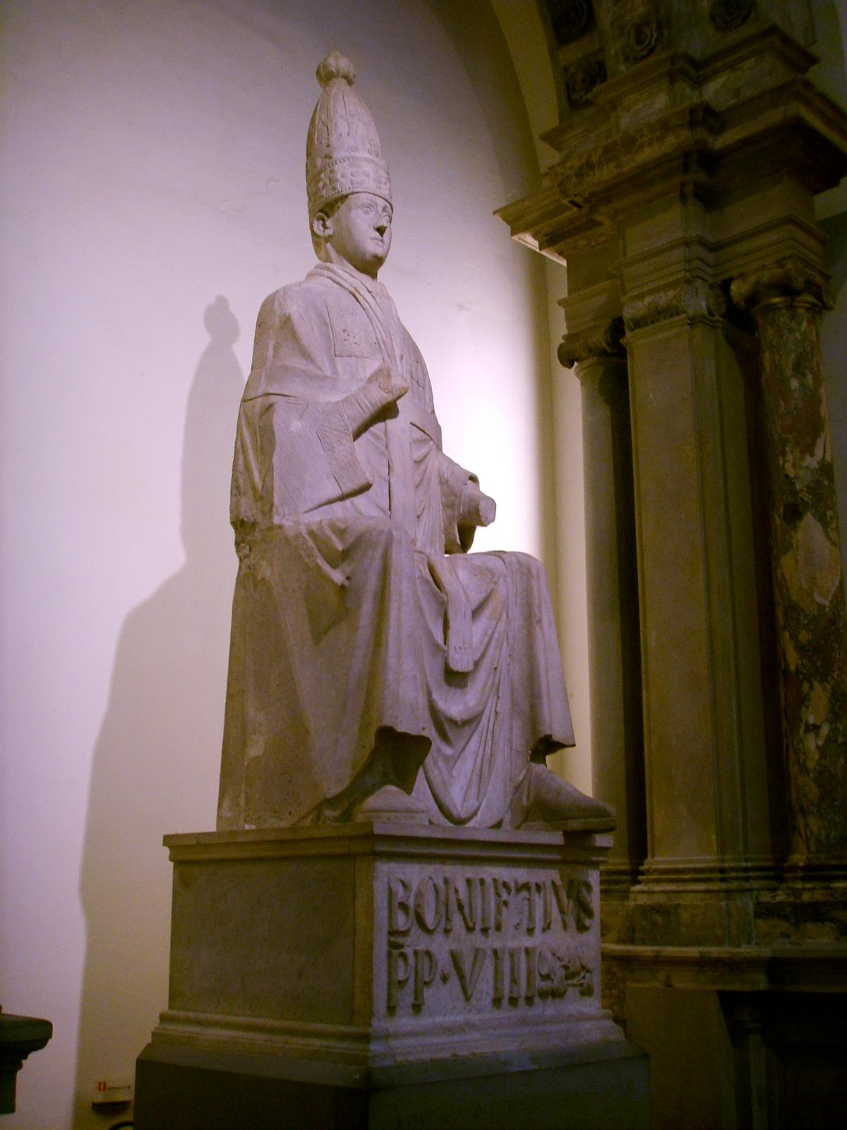http://upload.wikimedia.org/wikipedia/commons/9/92/Opera_del_duomo_(FI),_arnolfo_di_cambio,_Bonifacio_VIII_,_1298_circa,_02.JPG