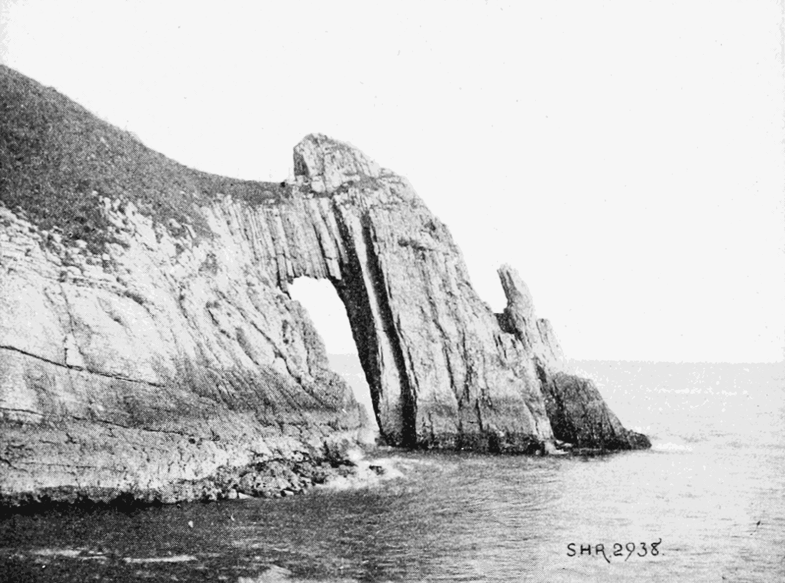 PSM V65 D387 Natural arch at torquay.png