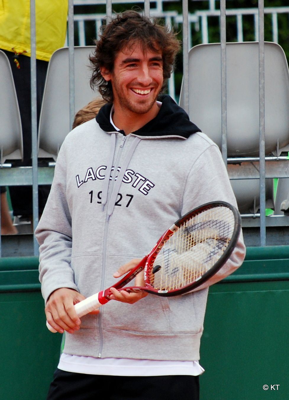http://upload.wikimedia.org/wikipedia/commons/9/92/Pablo_Cuevas.jpg