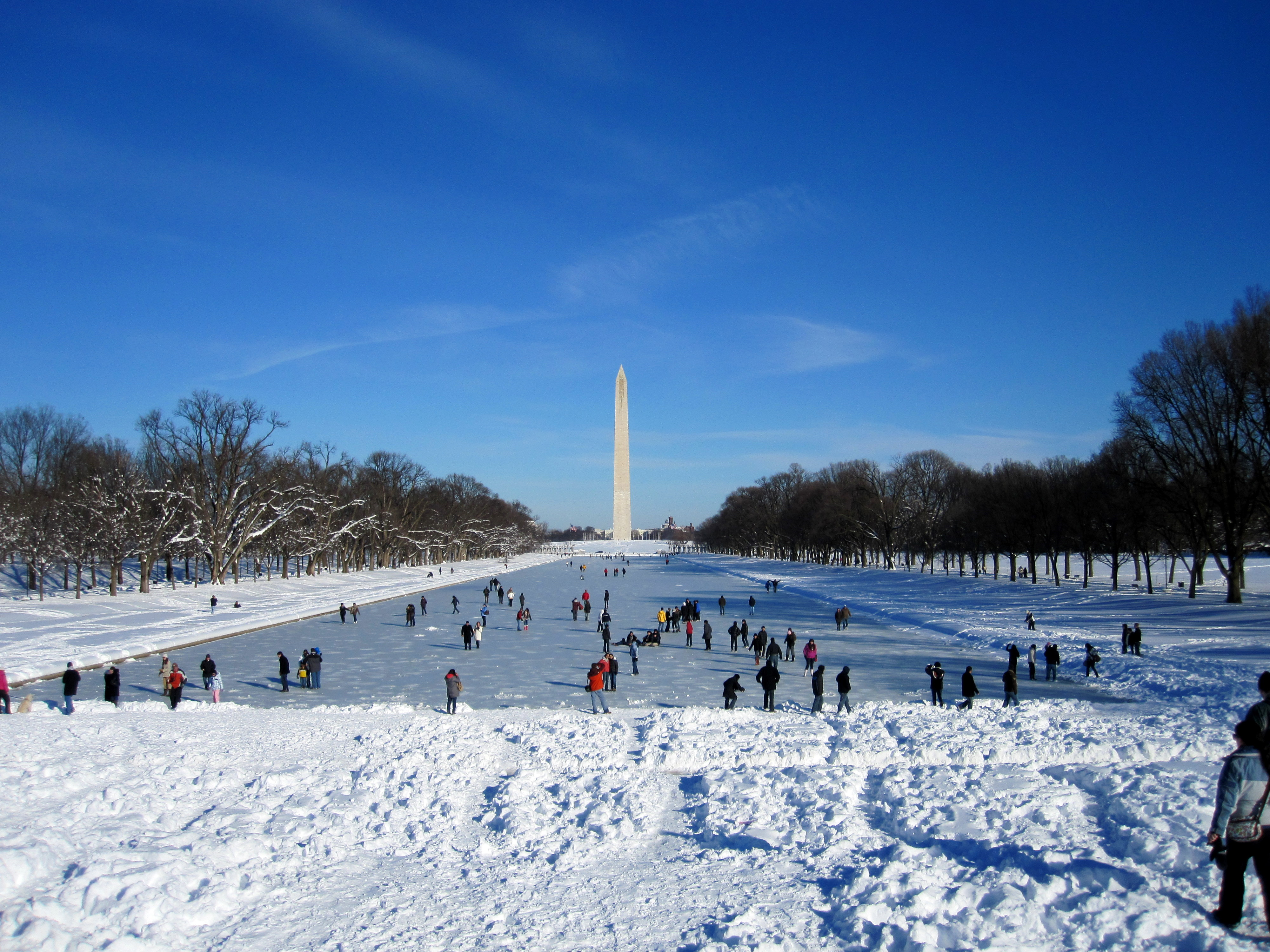 File people on ice over lincoln memorial reflecting pool - Reflecting pool ...