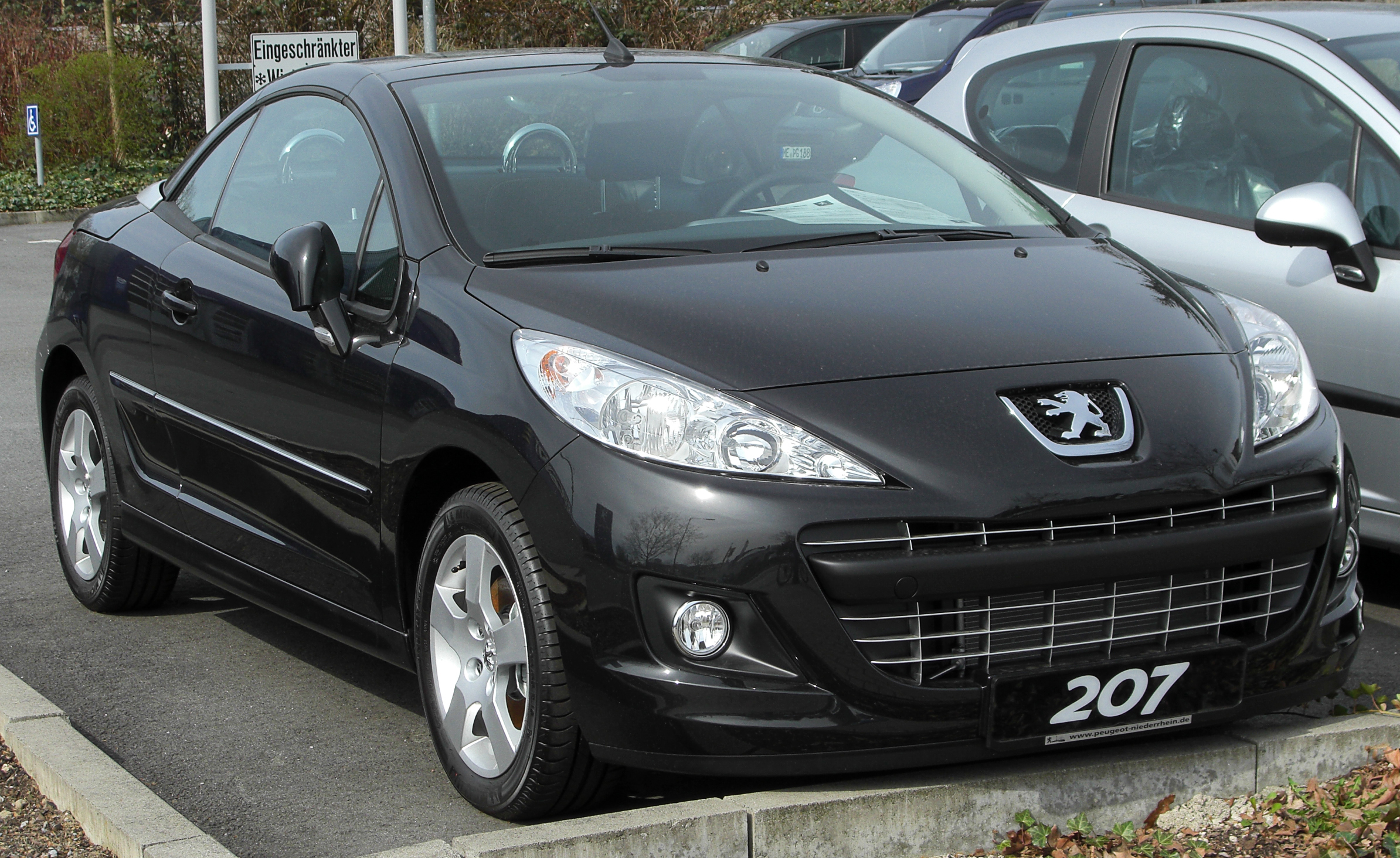 file peugeot 207 cc facelift front wikimedia commons. Black Bedroom Furniture Sets. Home Design Ideas
