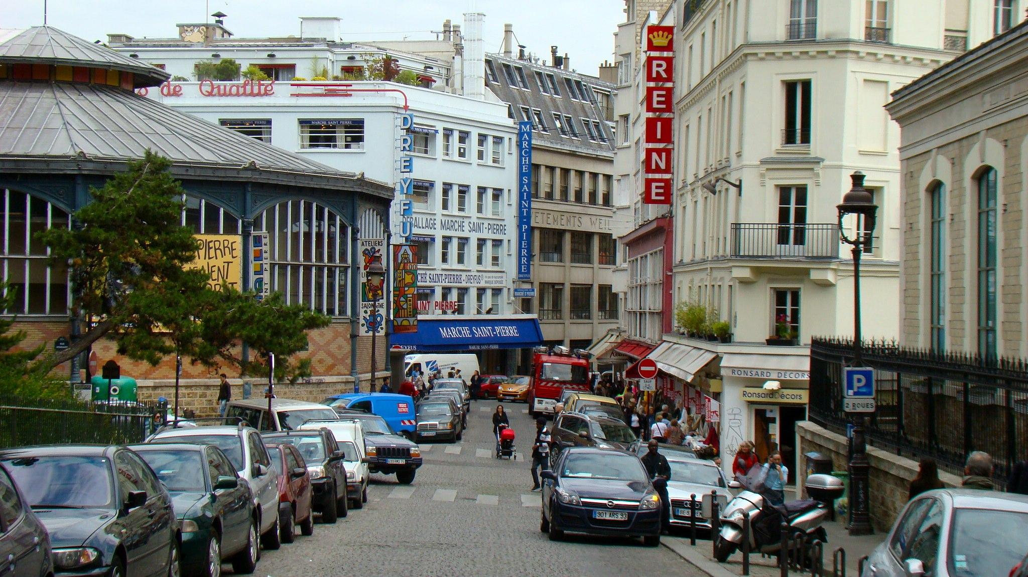 File place saint pierre paris france wikimedia commons - Place saint pierre paris ...