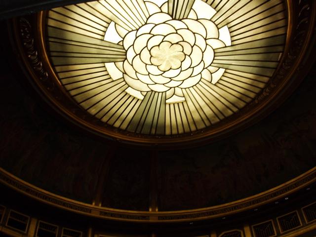 Ficheiro:Plafond du Théâtre des Champs-Élysées.jpg