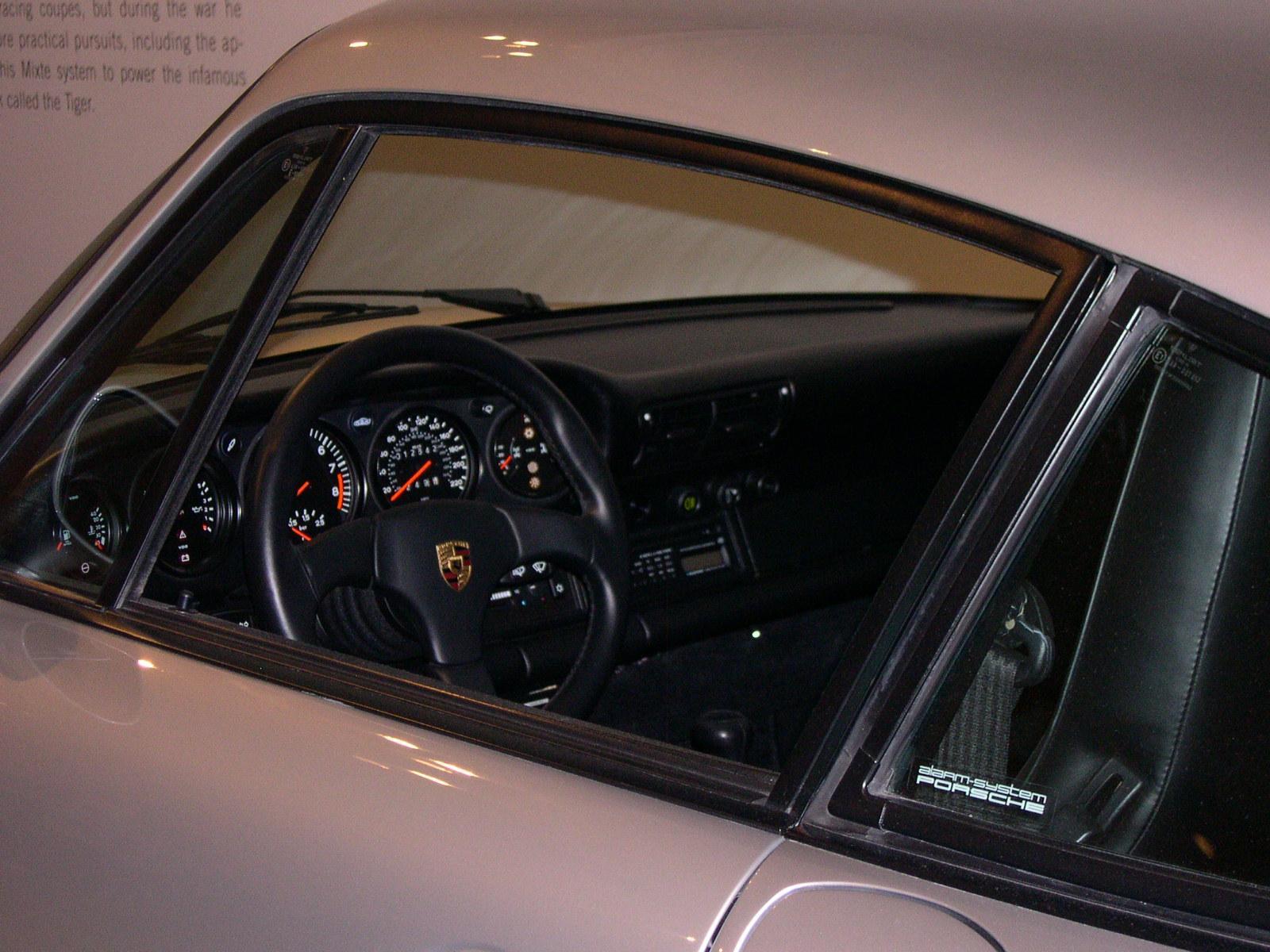 File Porsche 959 Interior Jpg Wikimedia Commons