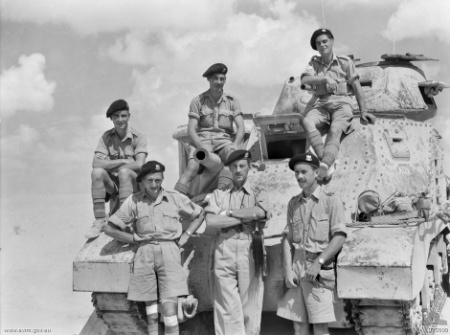 File Rsg Co Tank In Desert Wwii Jpg Wikimedia Commons