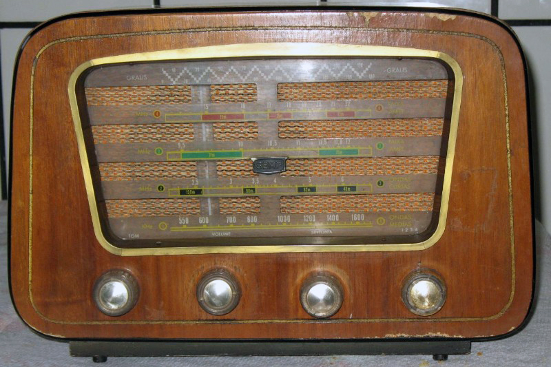 File:RadioCapelinha.jpg