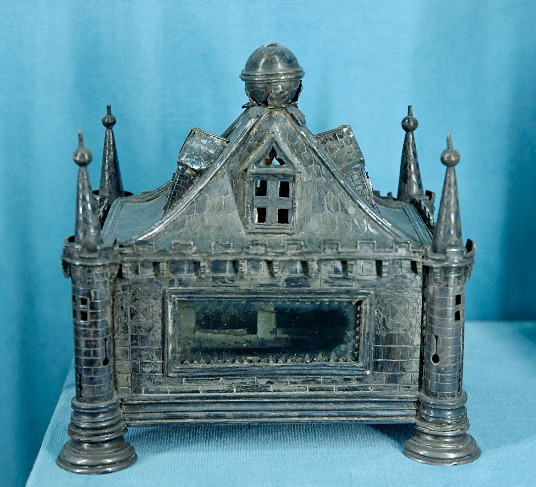 Relikvar av sølv for Ludvig av Toulouse (1400-1600-t), Musée du Moyen Âge i Cluny