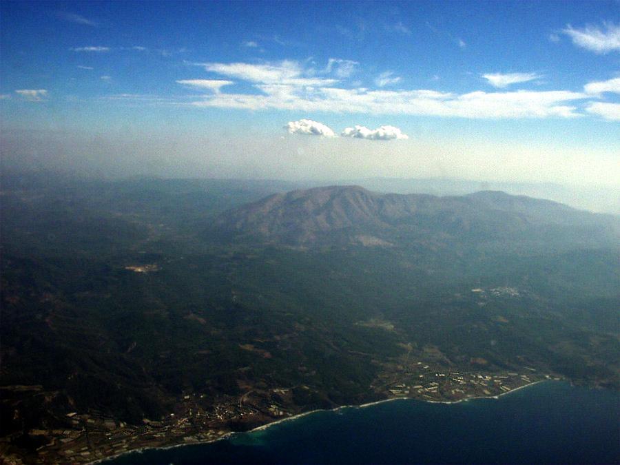 Вид на гору Аттавирос и западную часть Родоса