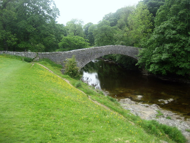Ribble Way approaching Stainforth Packhorse Bridge - geograph.org.uk - 1357601