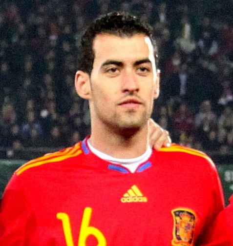 The 28-year old son of father Carles Busquets and mother(?), 188 cm tall Sergio Busquets in 2017 photo