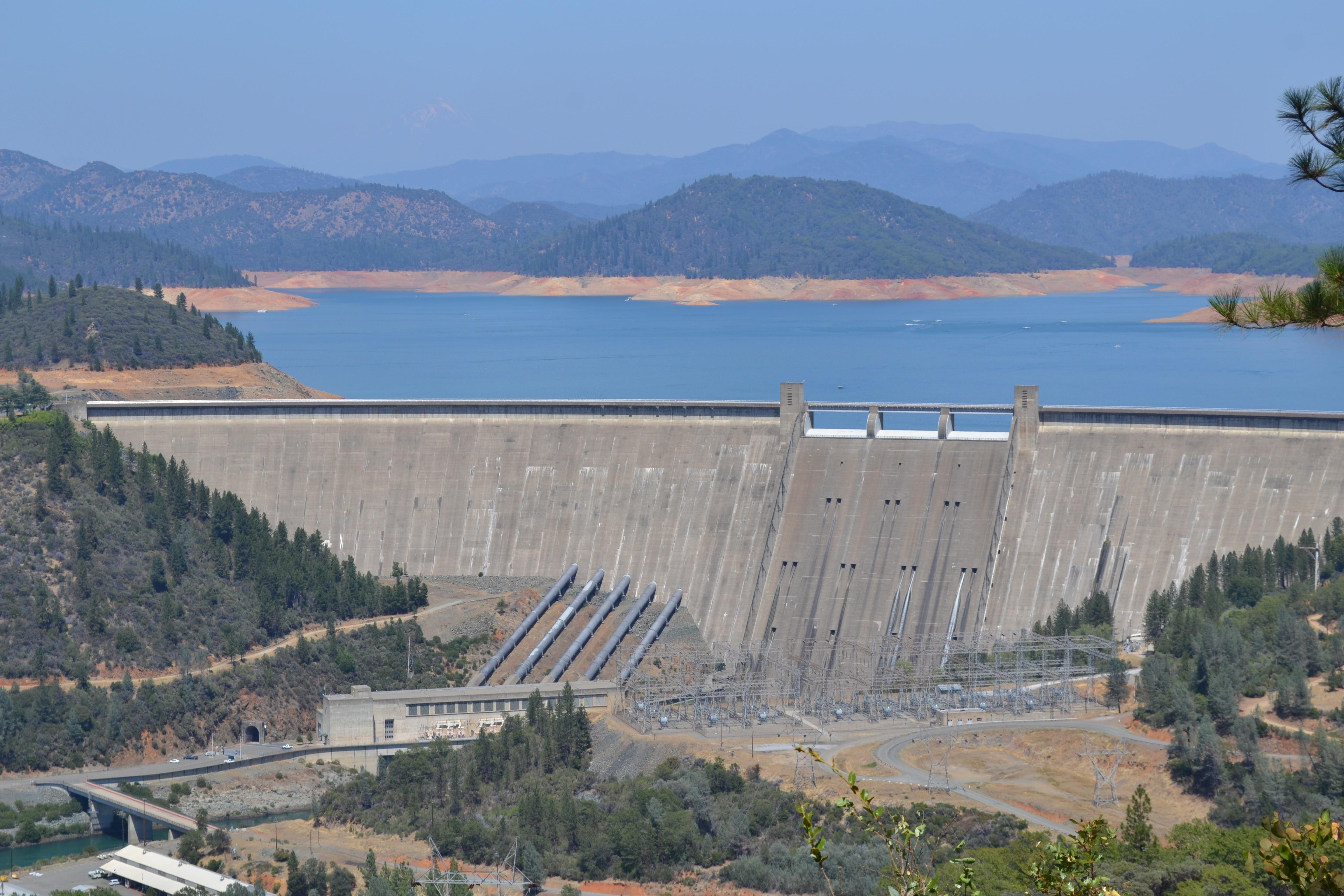 File:Shasta dam 2.jpg - Wikimedia Commons
