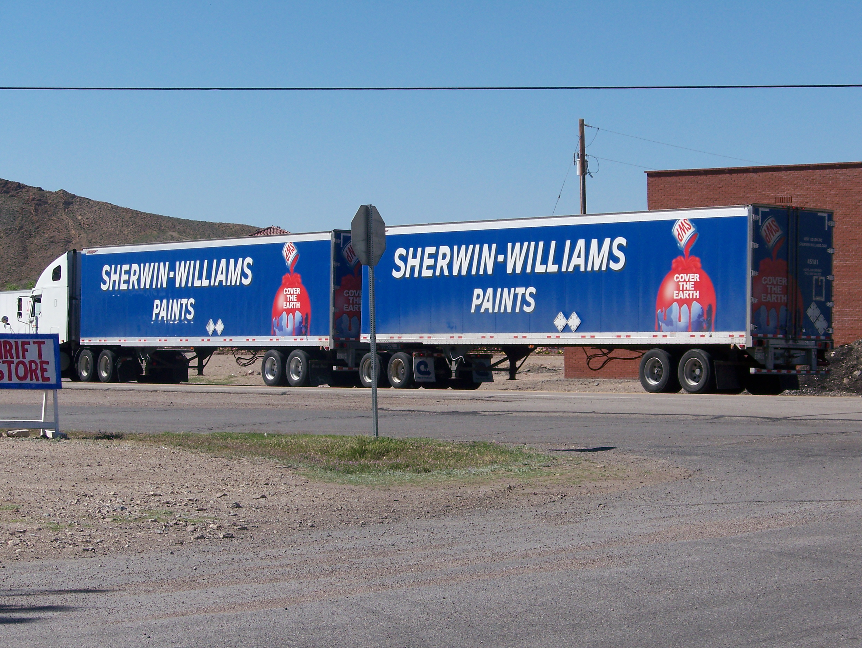 file sherwin williams paints truck on us 95 2 jpg wikimedia commons. Black Bedroom Furniture Sets. Home Design Ideas