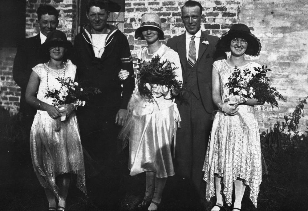 File Statelibqld 1 157290 Wedding Party During Wartime