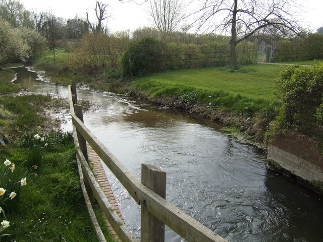 File:The mill stream - geograph.org.uk - 559650.jpg