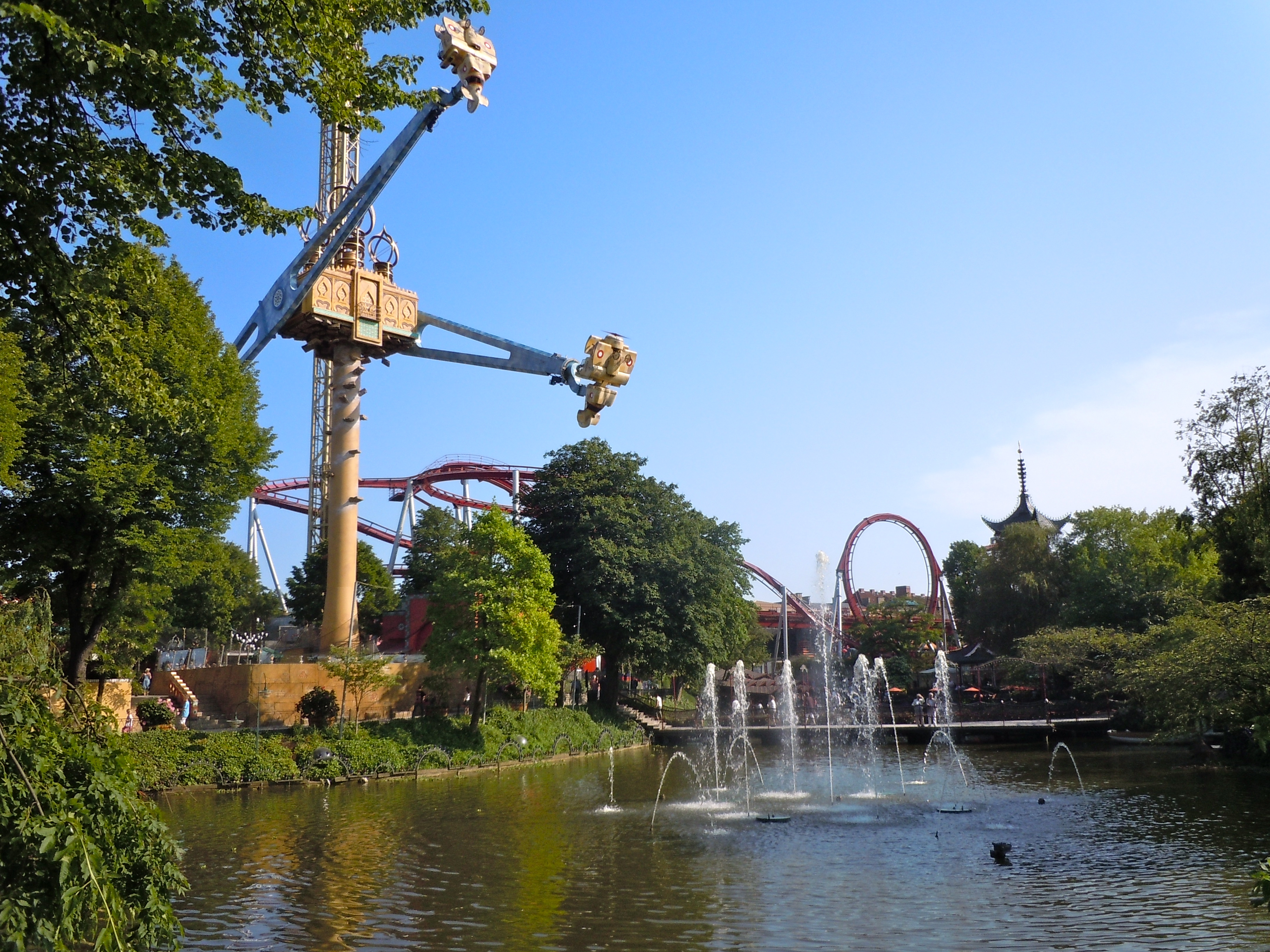 Let your imagination run free at the tivoli gardens in for Camping le jardin de tivoli