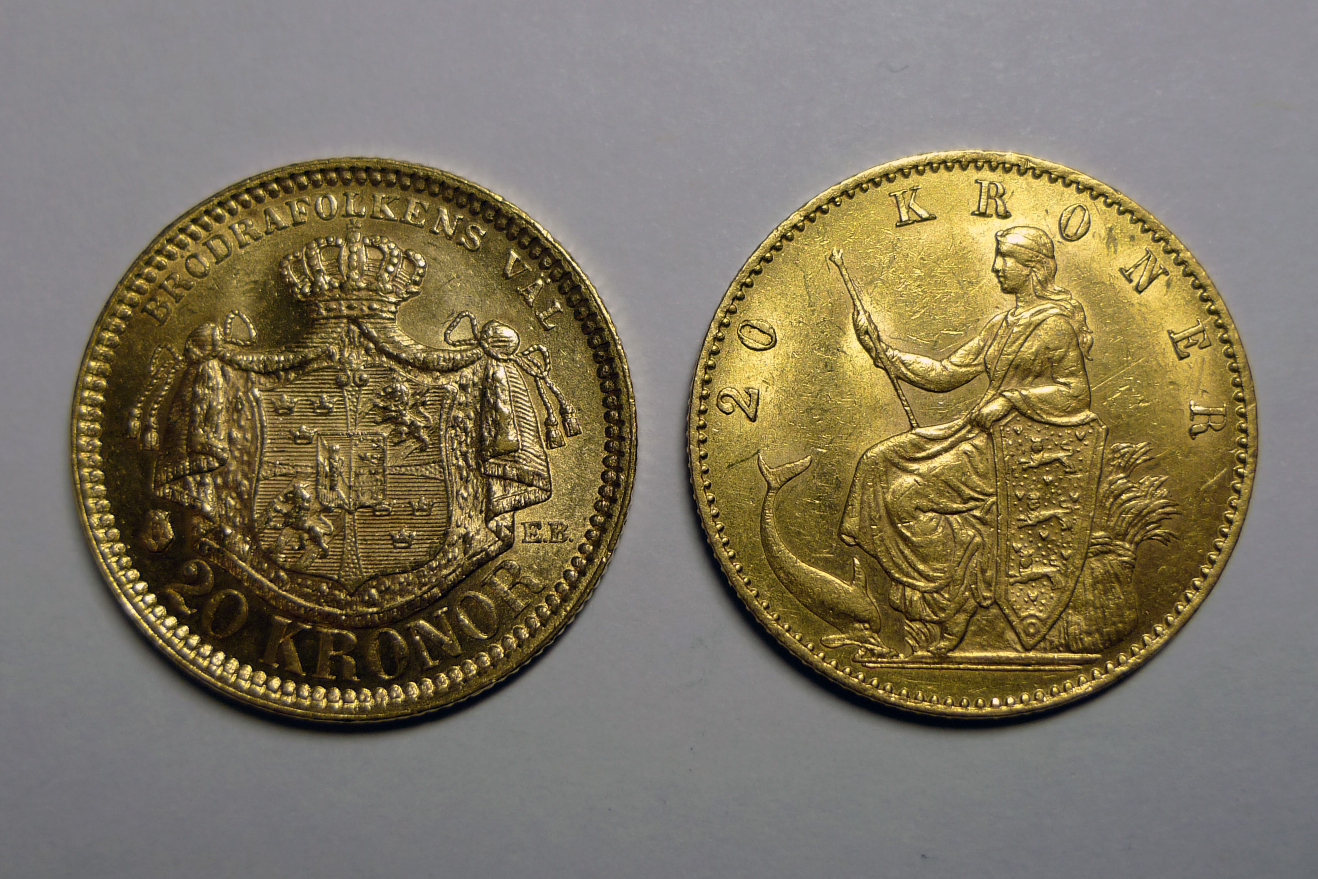 Two 20kr gold coins.jpg