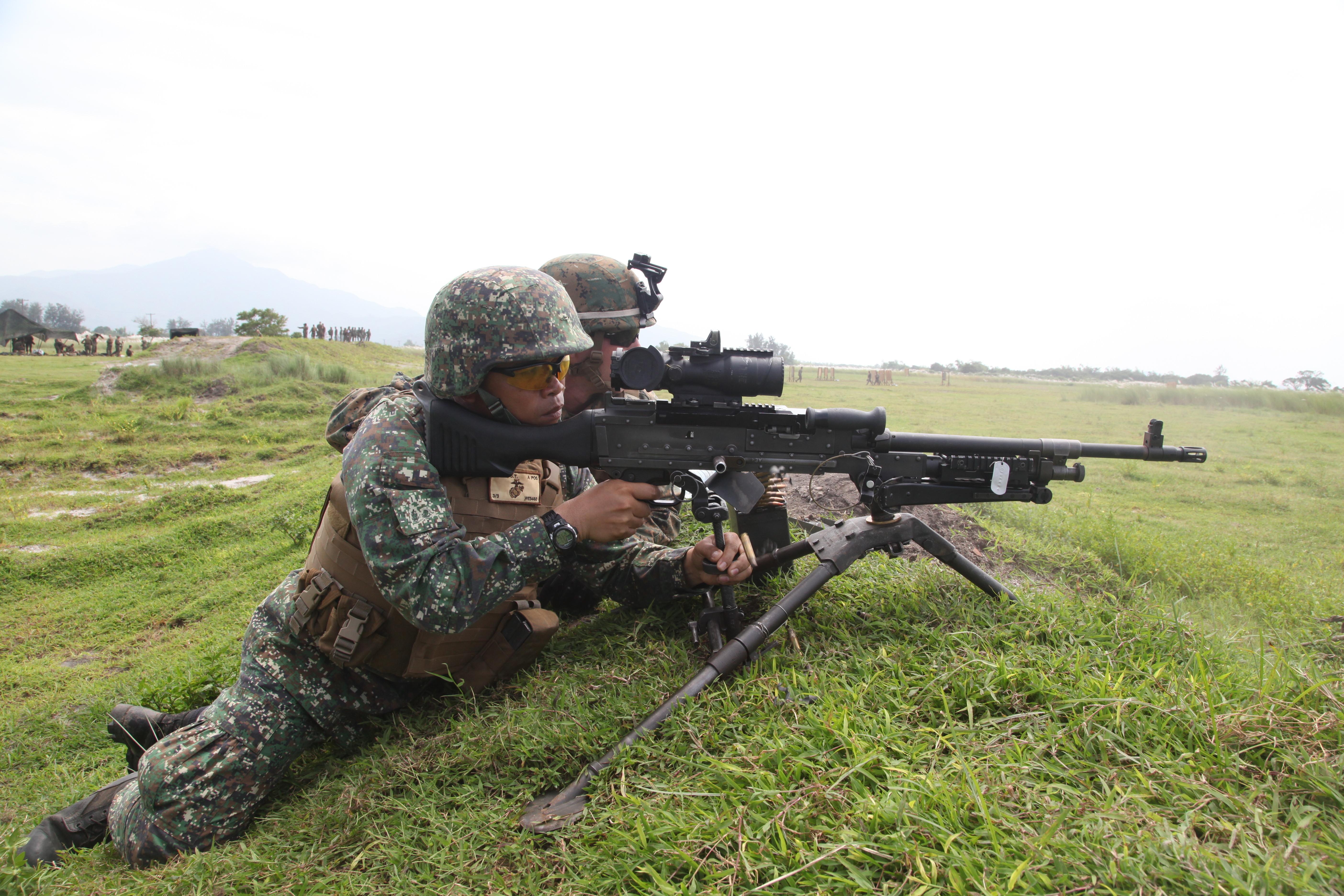 marines machine gunner