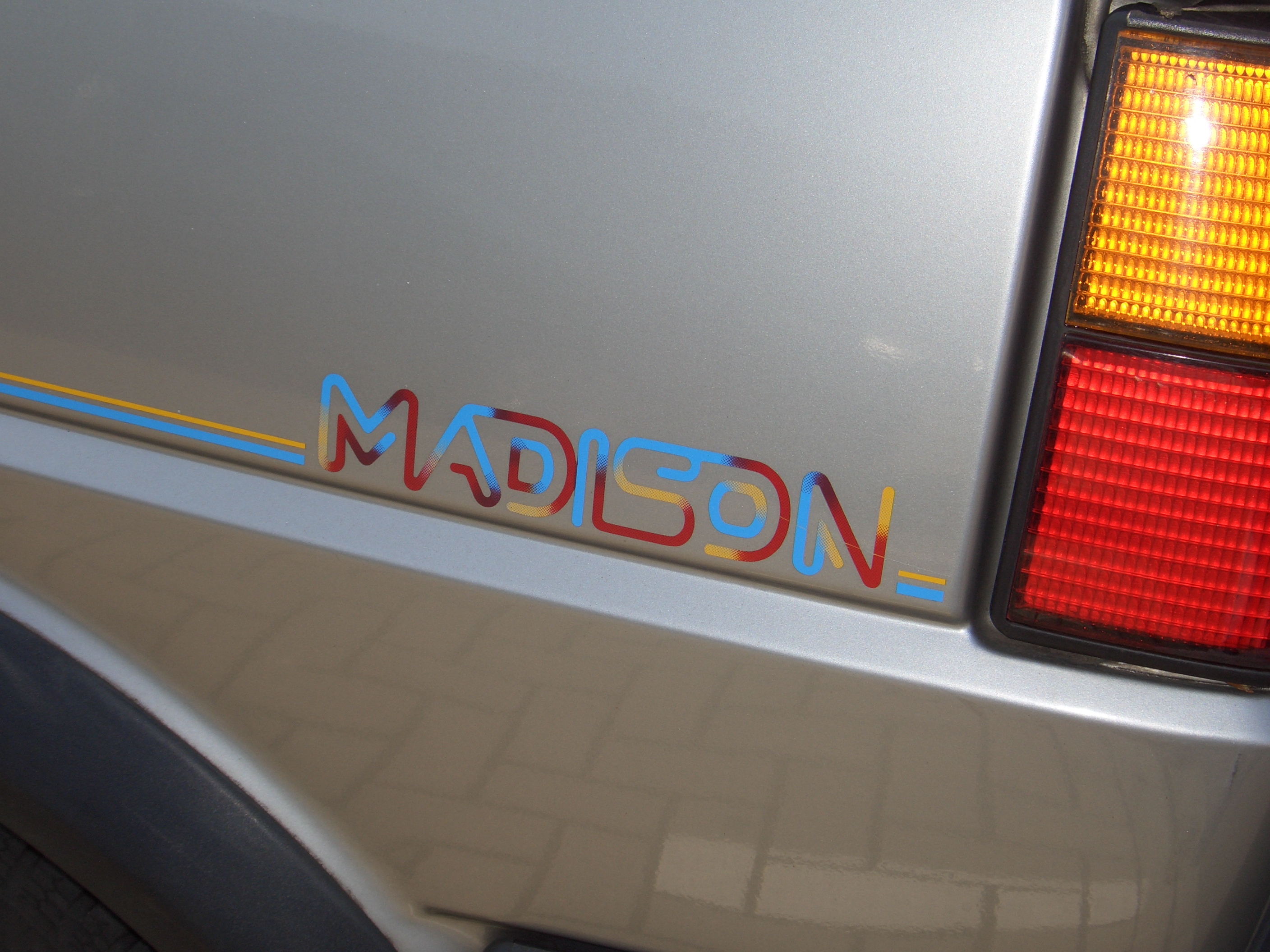 File:VW Golf Gen2 19E 1983-1992 special edition MADISON 1990 ...
