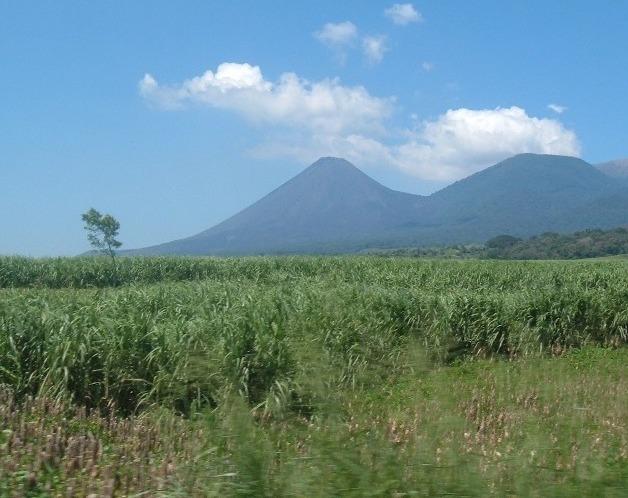 File:Volcán de Izalco.jpg