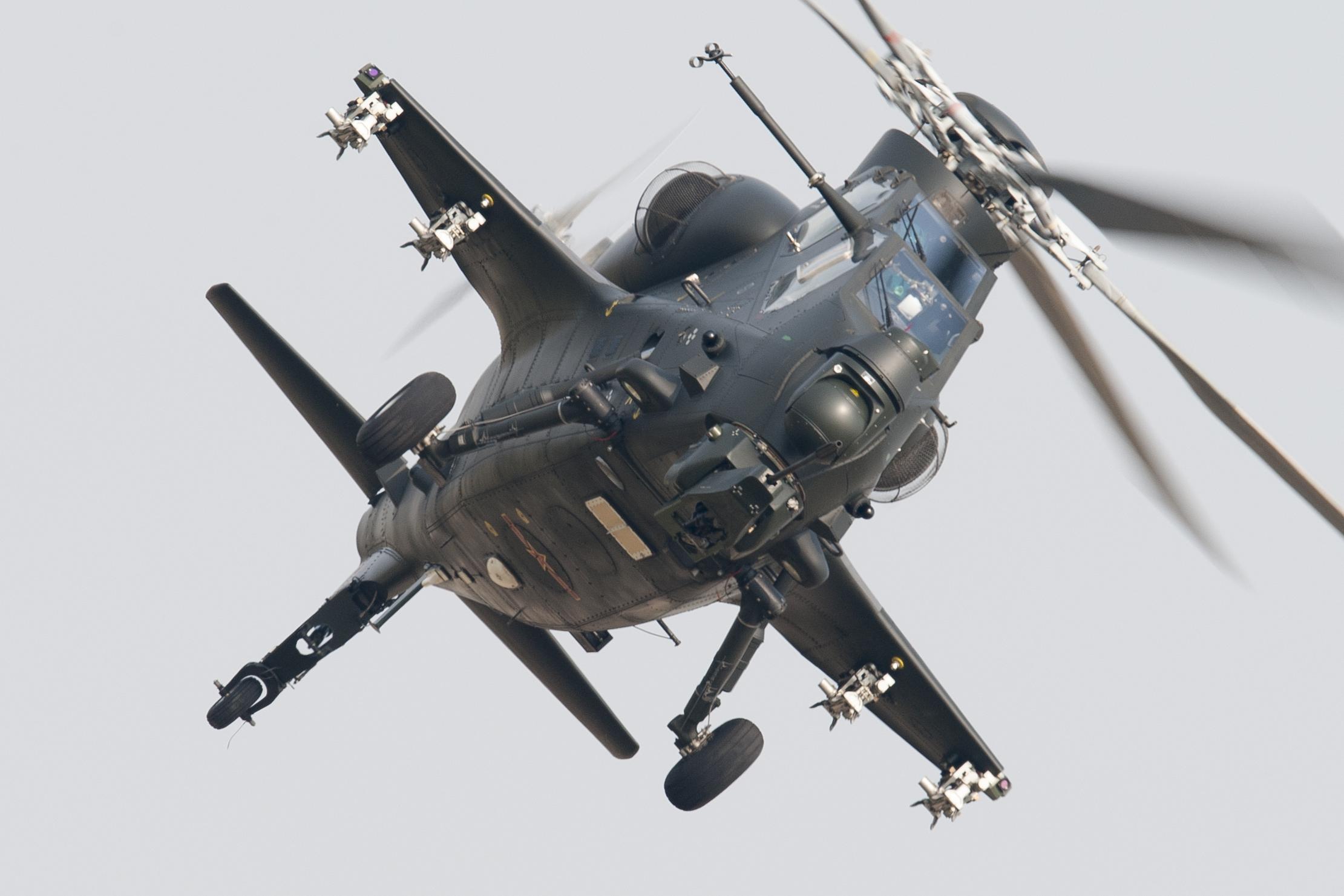 باكستان ترغب بشراء مقاتلة FC-31 و مروحيه Z-10 الصينيتين WZ-10