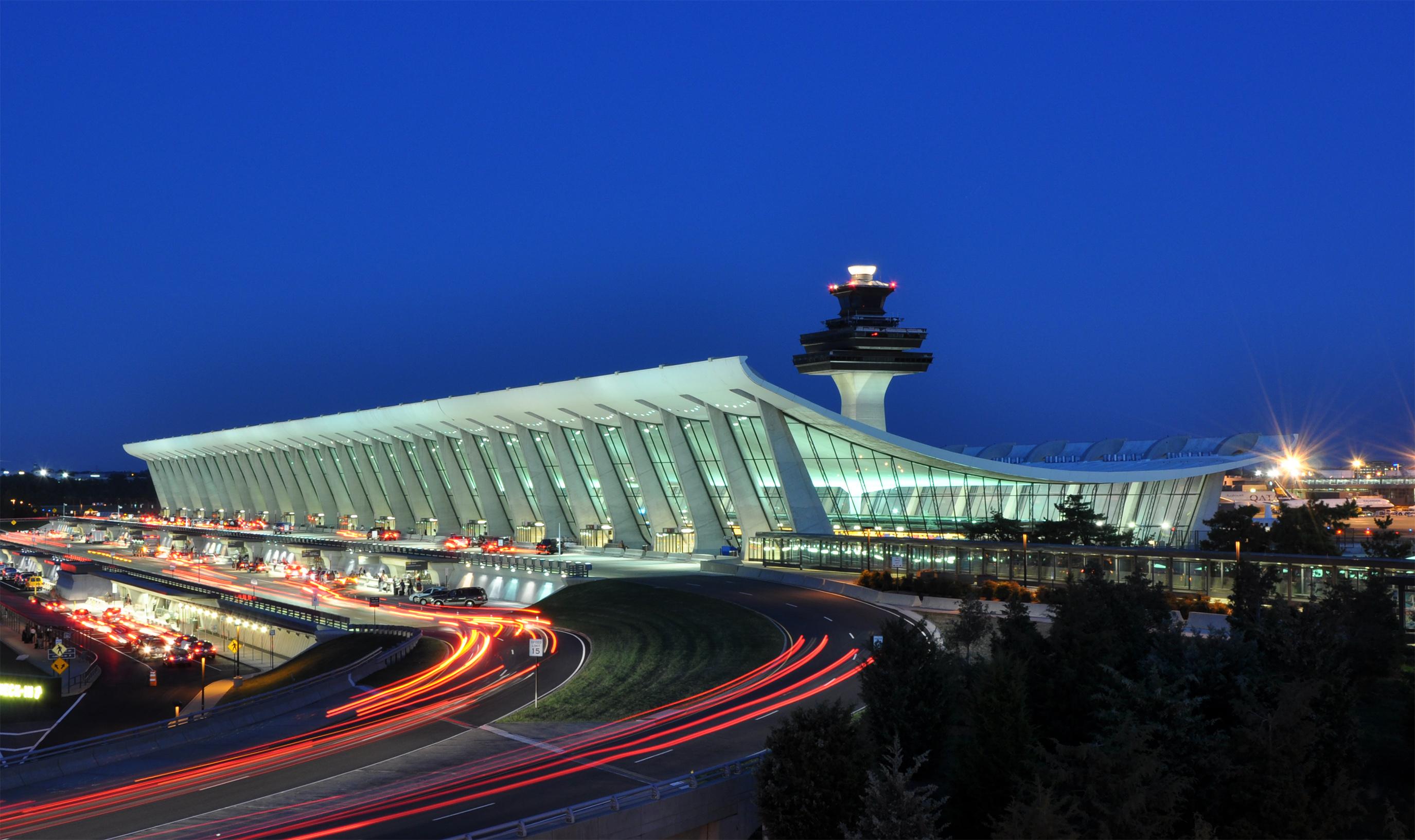 Dulles (VA) United States  city photo : Washington Dulles International Airport at Dusk Wikipedia ...