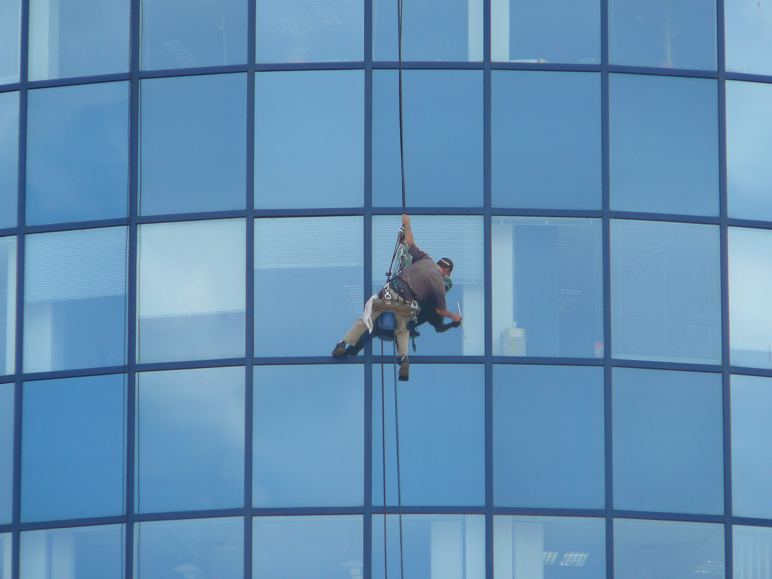 File window cleaner m pal c wikimedia commons for Window cleaner