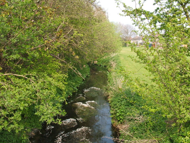 Yeading Brook - geograph.org.uk - 399555
