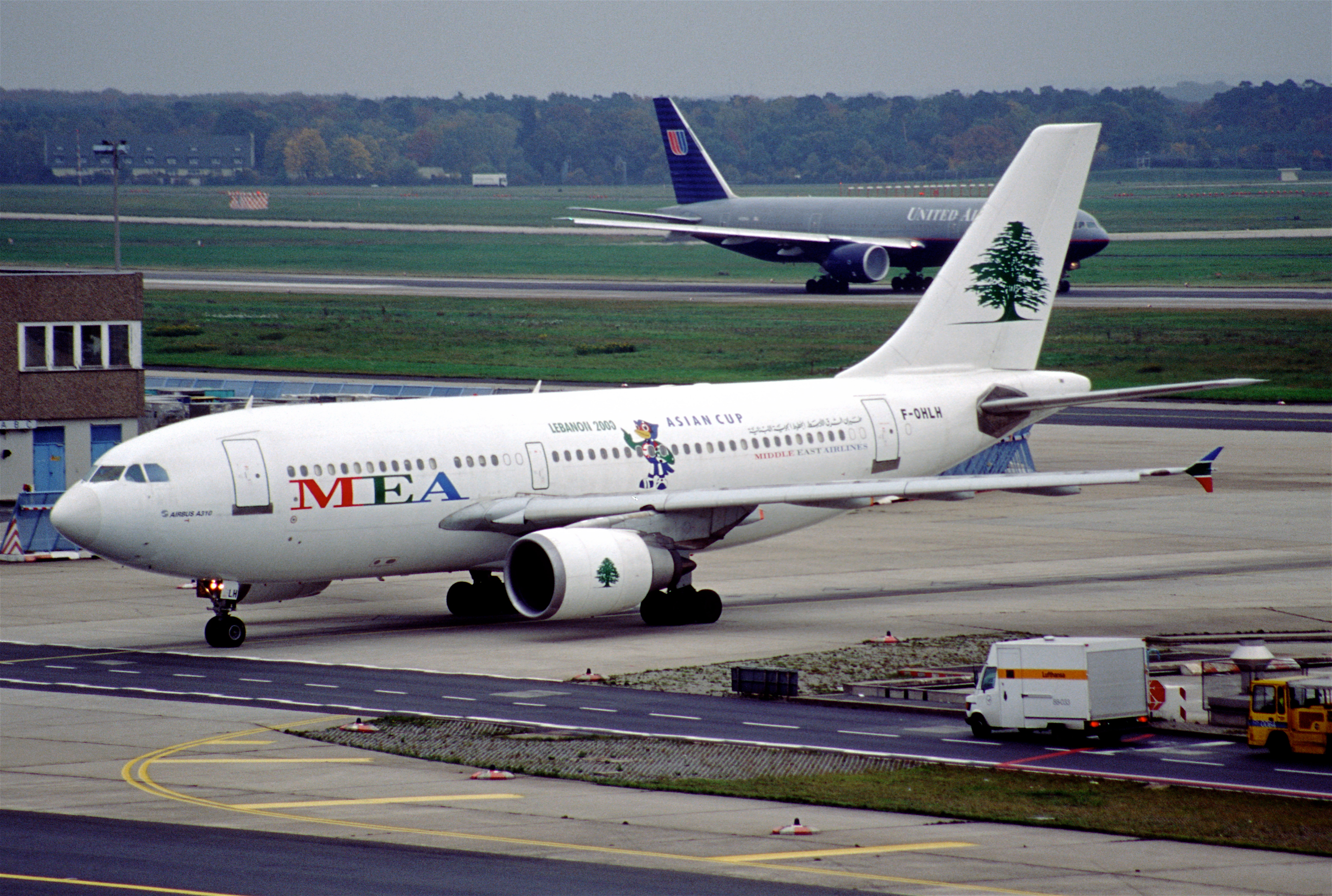 File:113av - MEA - Middle East Airlines Airbus A310-304, F-