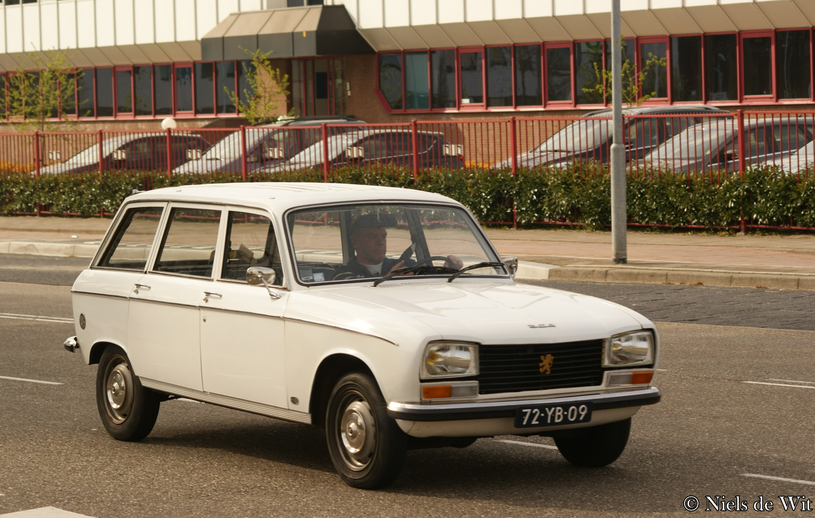 file 1976 peugeot 304 gl break 17263853245 jpg wikimedia commons. Black Bedroom Furniture Sets. Home Design Ideas