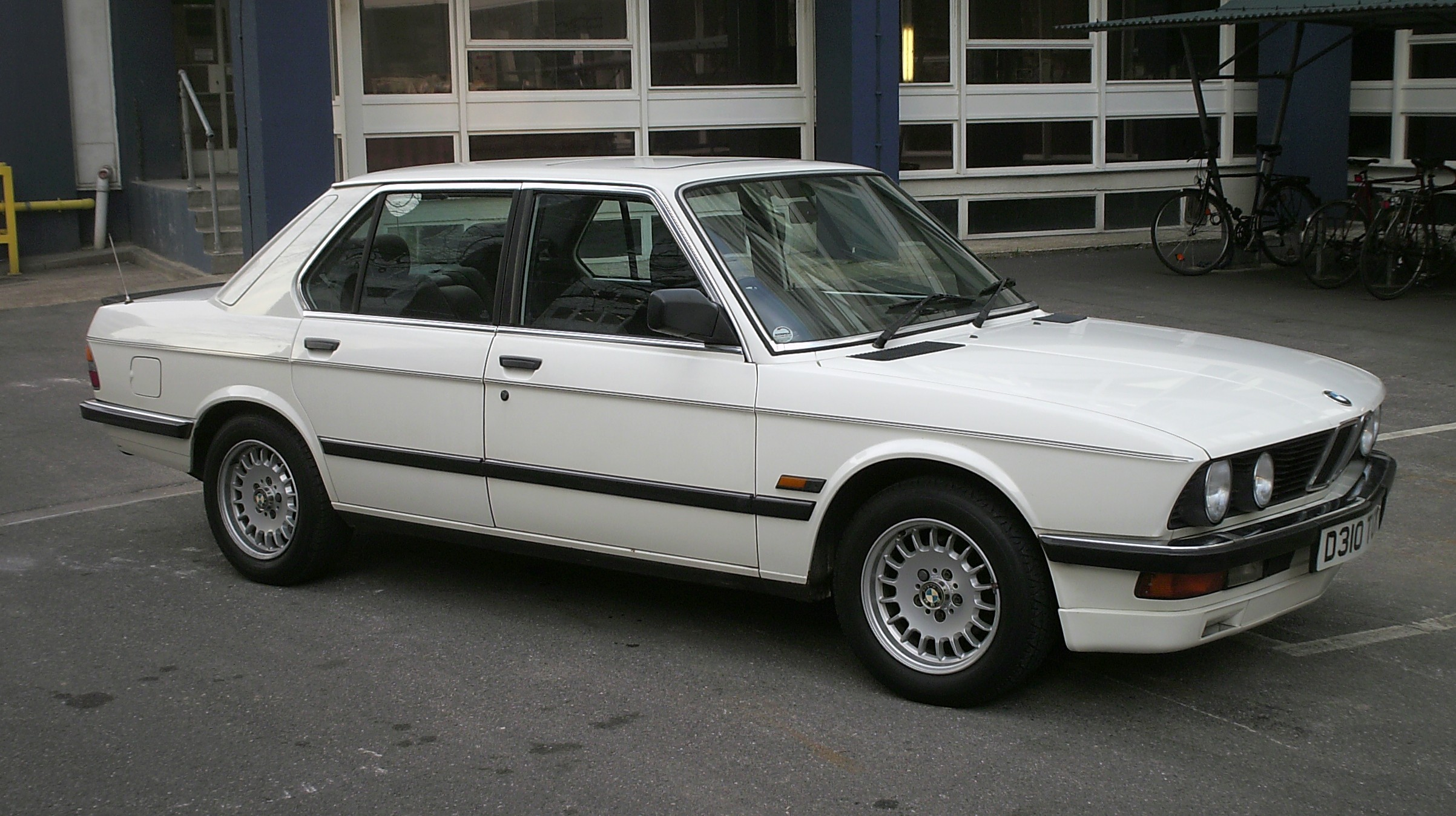 File 1987 Bmw 520i Lux Jpg Wikimedia Commons