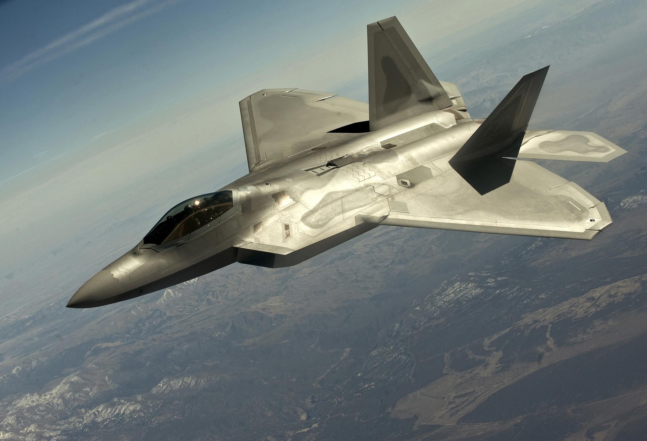 File:1 FW F-22 Raptor ...