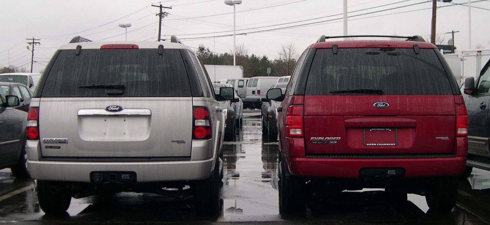 File:2005 and 2006 Ford Explorer rear.jpg