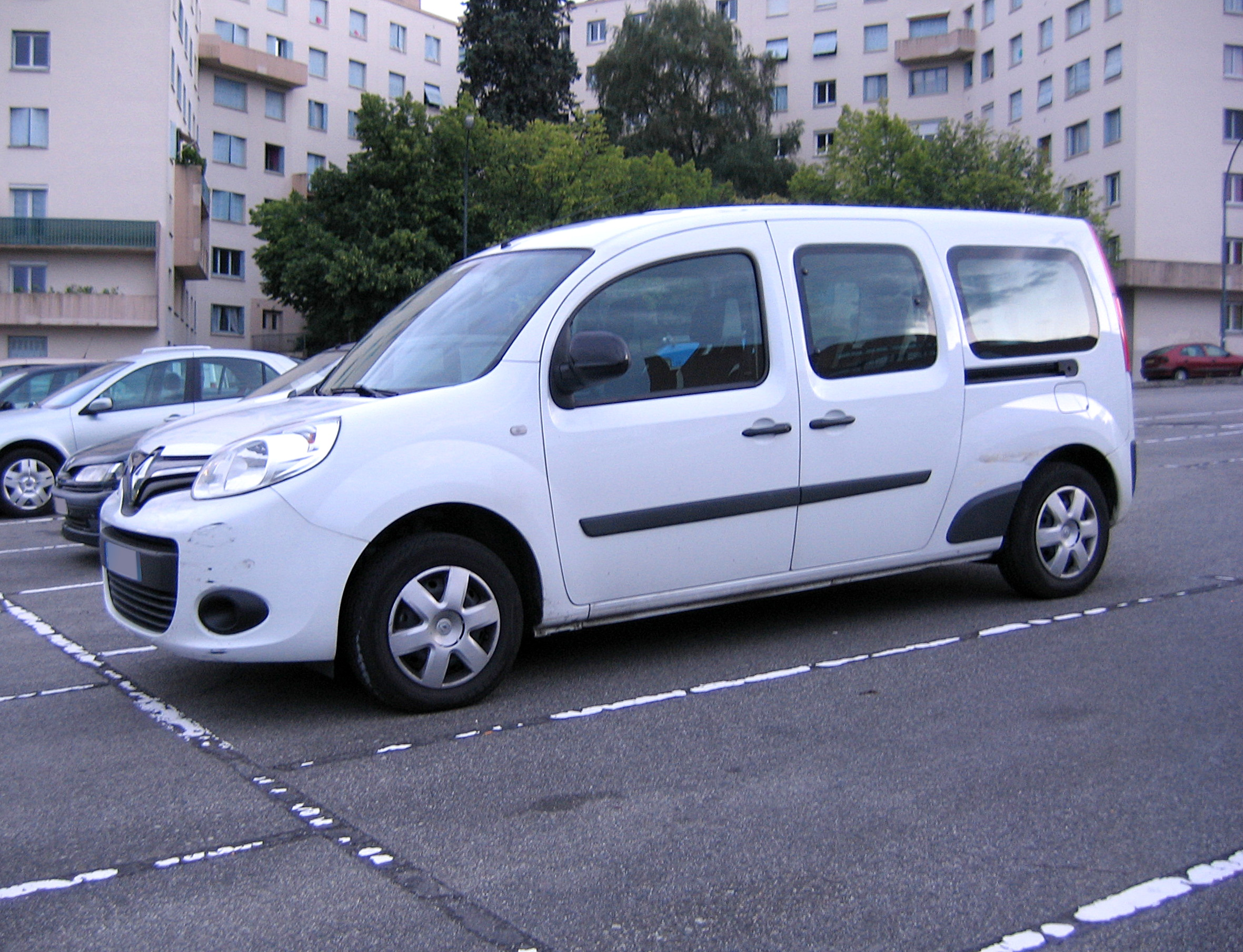 file 2013 renault kangoo maxi fl jpg wikimedia commons. Black Bedroom Furniture Sets. Home Design Ideas