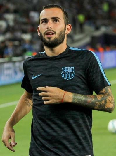 The 30-year old son of father Carlos Vidal and mother(?) Aleix Vidal in 2020 photo. Aleix Vidal earned a  million dollar salary - leaving the net worth at 2.25 million in 2020