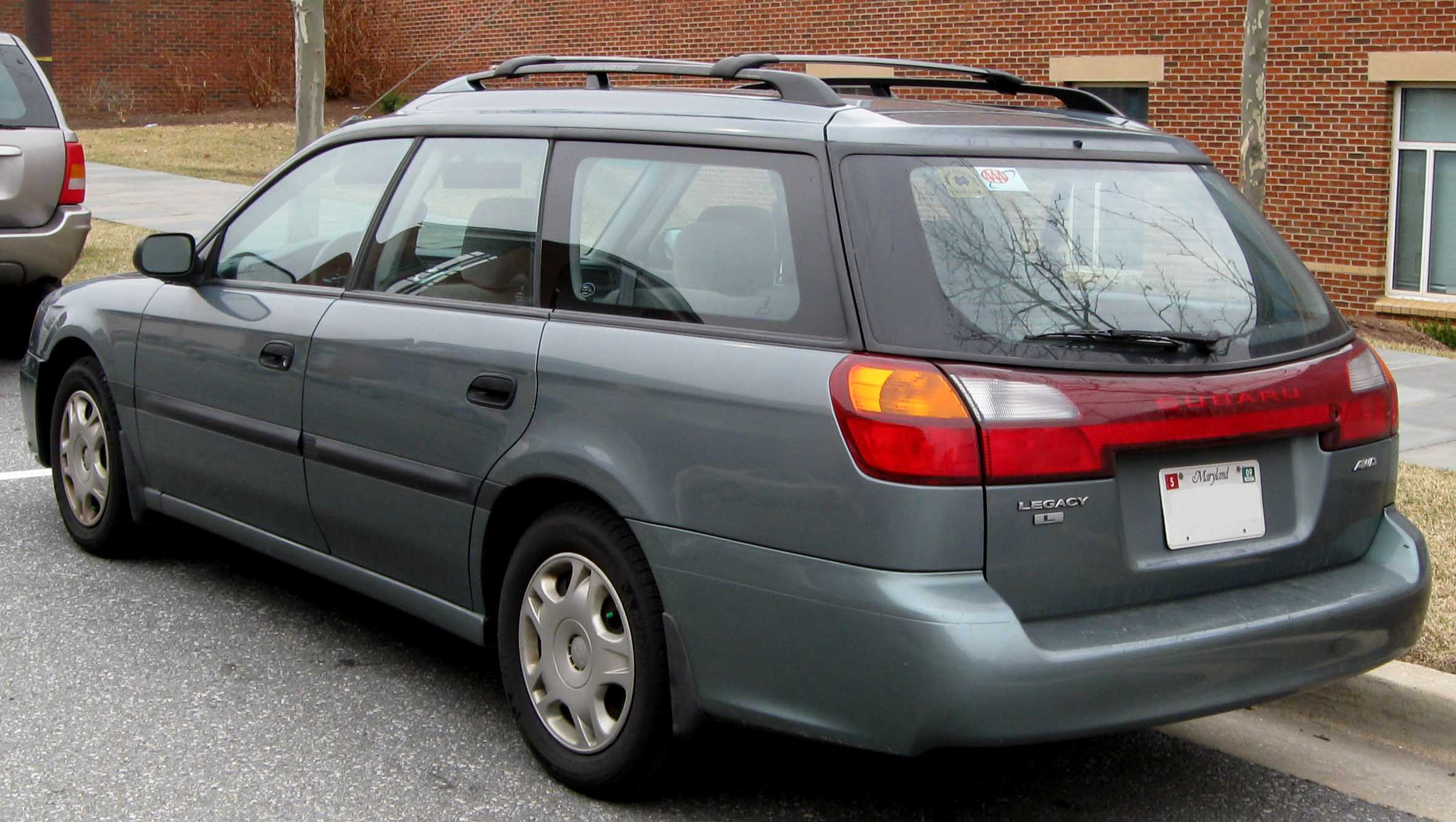 Description 3rd Subaru Legacy L wagon rear.jpg
