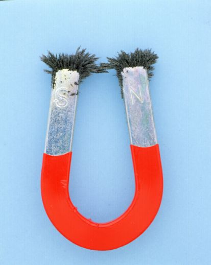 A-1 horseshoe-magnet-red-silver-iron-filings-AHD