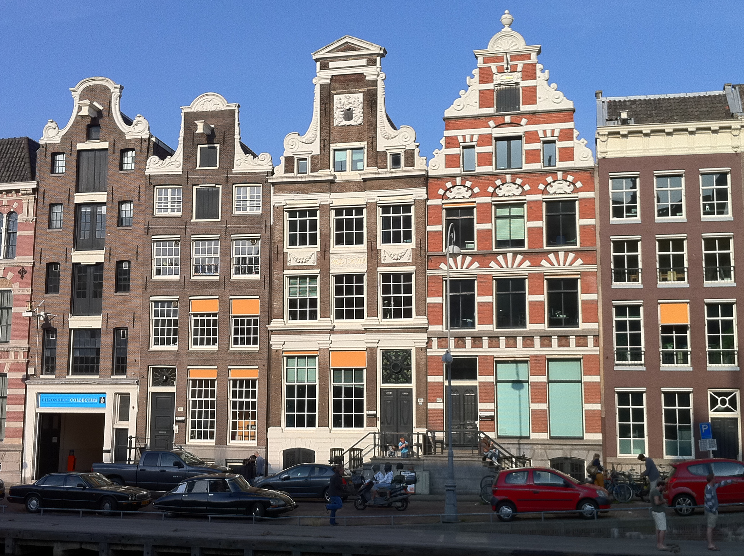 Pand met pilaster halsgevel in amsterdam monument - Oude huis fotos ...